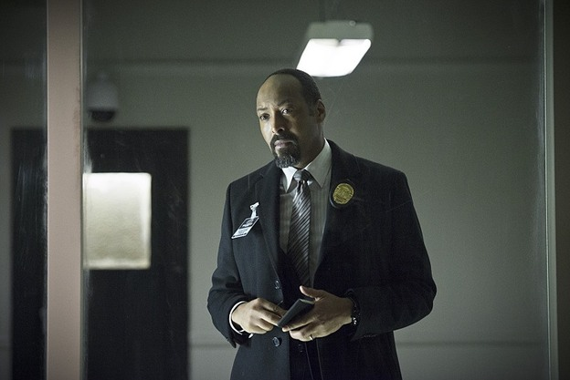 """The Flash -- """"Tricksters"""" -- Image FLA117A_0198b -- Pictured: Jesse L. Martin as Detective Joe West -- Photo: Diyah Pera/The CW -- © 2015 The CW Network, LLC. All rights reserved."""