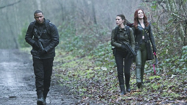 "Arrow--""Suicidal Tendencies""--Image AR317A_0004b--Pictured (L-R): David Ramsey as John Diggle, Audrey Marie Anderson as Lyla Michaels, and Amy Gumenick as Cupid --Photo: Katie Yu/The CW--© 2015 The CW Network, LLC. All rights reserved."