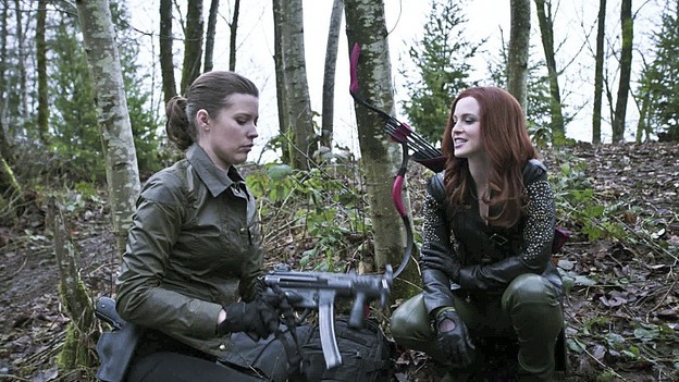 "Arrow--""Suicidal Tendencies""--Image AR317A_0002b--Pictured (L-R): Audrey Marie Anderson as Lyla Michaels and Amy Gumenick as Cupid--Photo: Katie Yu/The CW--© 2015 The CW Network, LLC. All rights reserved."