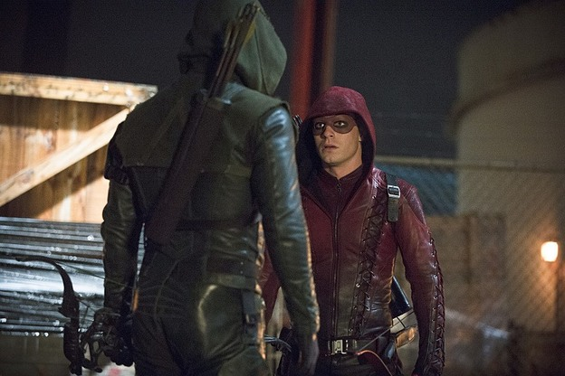 "Arrow--""Suicidal Tendencies""--Image AR317A_0238b--Pictured (L-R): Stephen Amell as Oliver Queen/Arrow and Colton Haynes as Roy Harper/Arsenal--Photo: Cate Cameron/The CW--© 2015 The CW Network, LLC. All rights reserved."