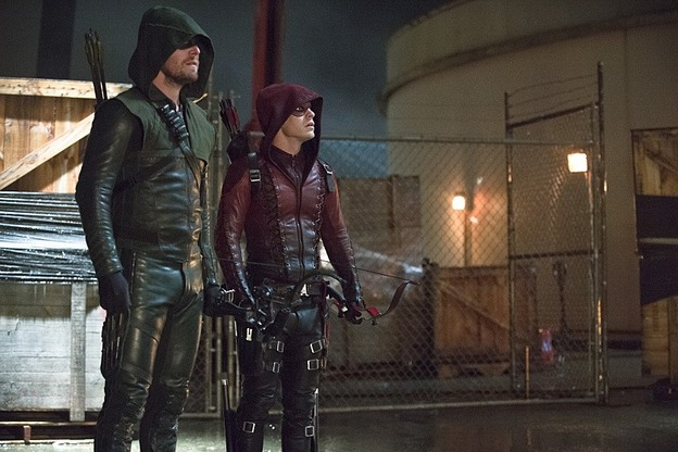 "Arrow--""Suicidal Tendencies""--Image AR317A_0231b--Pictured (L-R): Stephen Amell as Oliver Queen/Arrow and Colton Haynes as Roy Harper/Arsenal--Photo: Cate Cameron/The CW--© 2015 The CW Network, LLC. All rights reserved."