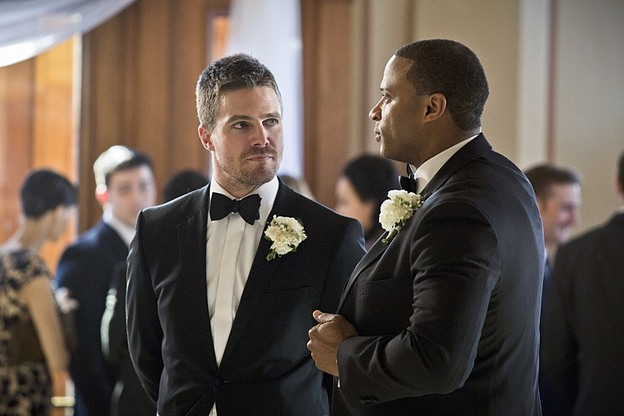 "Arrow--""Suicidal Tendencies""--Image AR317A_0038b--Pictured (L-R):  Stephen Amell as Oliver Queen, and David Ramsey as John Diggle--Photo: Katie Yu/The CW--© 2015 The CW Network, LLC. All rights reserved."