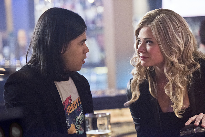 "The Flash -- ""Rogue Time"" -- Image FLA116B_0423b -- Pictured (L-R): Carlos Valdes as Cisco Ramon and Peyton List as Lisa Snart -- Photo: Dean Buscher/The CW -- © 2015 The CW Network, LLC. All rights reserved."
