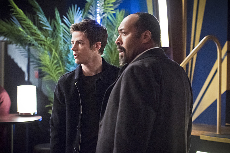 "The Flash -- ""Rogue Time""-- Image FLA116B_0331b -- Pictured (L-R): Jesse L. Martin as Detective Joe West and Grant Gustin as Barry Allen -- Photo: Dean Buscher/The CW -- © 2015 The CW Network, LLC. All rights reserved."
