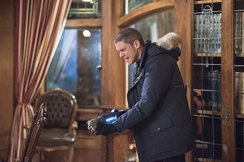 "The Flash--""Rogue Time""--image FLA116A_0557b--Wentworth Miller as Leonard Snart/Captain Cold Photo: Dean Buscher/The CW--© 2015 The CW Network, LLC. All rights reserved."