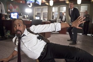 "The Flash -- ""Out of Time"" -- Image FLA115B_0347b -- Pictured (L-R): Jesse L. Martin as Detective Joe West and Rick Cosnett as Detective Eddie Thawne -- Photo: Diyah Pera/The CW -- © 2015 The CW Network, LLC. All rights reserved."