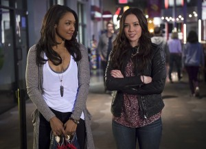 "The Flash -- ""Out of Time"" -- Image FLA115A_0322b -- Pictured (L-R): Candice Patton as Iris West and Malese Jow as Linda Park -- Photo: Diyah Pera/The CW -- © 2015 The CW Network, LLC. All rights reserved."