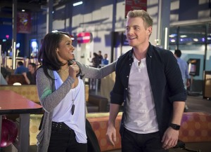 "The Flash -- ""Out of Time"" -- Image FLA115A_0210b -- Pictured (L-R): Candice Patton as Iris West and Rick Cosnett as Detective Eddie Thawne -- Photo: Diyah Pera/The CW -- © 2015 The CW Network, LLC. All rights reserved."