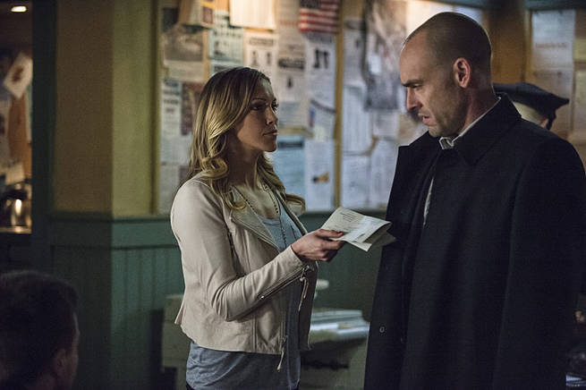 "Arrow -- ""Broken Arrow"" -- Image AR319B_0269b--Pictured (L-R): Katie Cassidy as Laurel Lance and Paul Blackthorne as Quentin Lance -- Photo: Cate Cameron/The CW -- © 2015 The CW Network, LLC. All Rights Reserved."