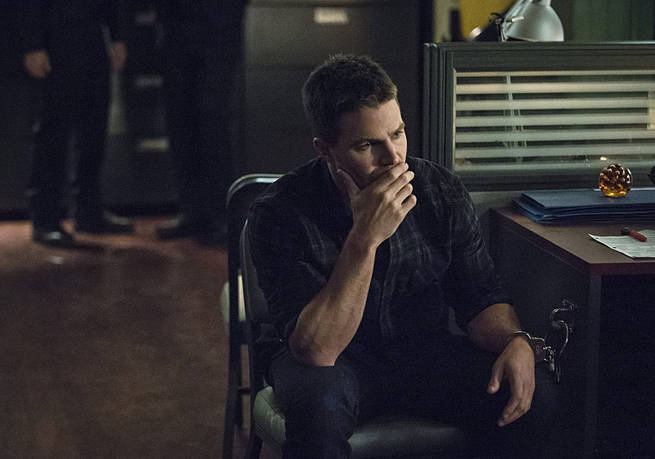 "Arrow -- ""Broken Arrow"" -- Image AR319B_0198b --Pictured: Stephen Amell as Oliver Queen -- Photo: Cate Cameron/The CW -- © 2015 The CW Network, LLC. All Rights Reserved."