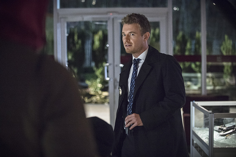 "The Flash -- ""All Star Team Up"" -- Image FLA118B_0253b -- Pictured: Rick Cosnett as Detective Eddie Thawne -- Photo: Cate Cameron/The CW -- © 2015 The CW Network, LLC. All rights reserved."