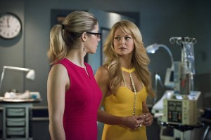 "Arrow -- ""Public Enemy"" -- Image AR318A_0297b -- Pictured (L-R): Emily Bett Rickards as Felicity Smoak andCharlotte Ross as Donna Smoak -- Photo: Diyah Pera/The CW -- © 2015 The CW Network, LLC. All Rights Reserved."