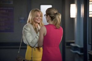 "Arrow -- ""Public Enemy"" -- Image AR318A_0151b -- Pictured (L-R): Charlotte Ross as Donna Smoak and Emily Bett Rickards as Felicity Smoak  -- Photo: Diyah Pera/The CW -- © 2015 The CW Network, LLC. All Rights Reserved."