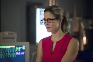 "Arrow -- ""Public Enemy"" -- Image AR318A_0067b -- Pictured: Emily Bett Rickards as Felicity Smoak -- Photo: Diyah Pera/The CW -- © 2015 The CW Network, LLC. All Rights Reserved."