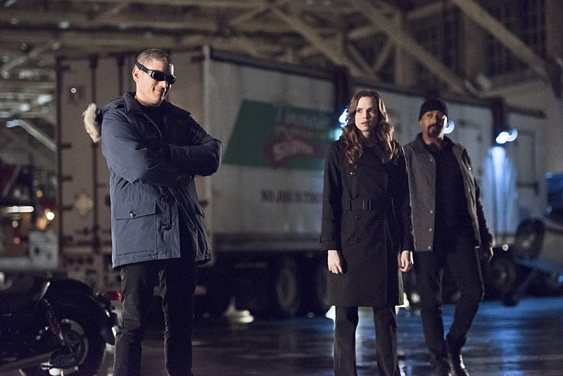 "The Flash -- ""Rogue Air"" -- Image FLA122A_0078b -- Pictured (L-R): Wentworth Miller as Leonard Snart / Captain Cold, Danielle Panabaker as Caitlin Snow and Jesse L. Martin as Detective Joe West -- Photo: Dean Buscher/The CW -- © 2015 The CW Network, LLC. All rights reserved."
