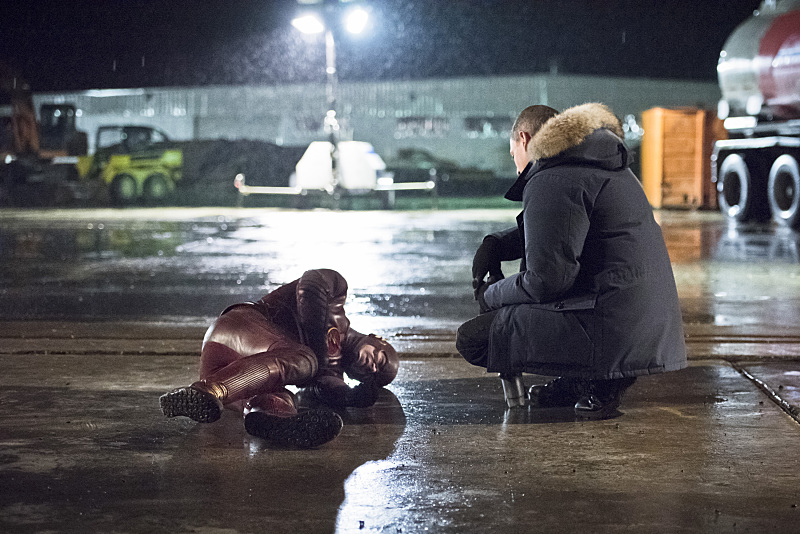 "The Flash -- ""Rogue Air"" -- Image FLA122A_0179b -- Pictured (L-R): Grant Gustin as Barry Allen / The Flash and Wentworth Miller as Leonard Snart / Captain Cold -- Photo: Dean Buscher/The CW -- © 2015 The CW Network, LLC. All rights reserved."