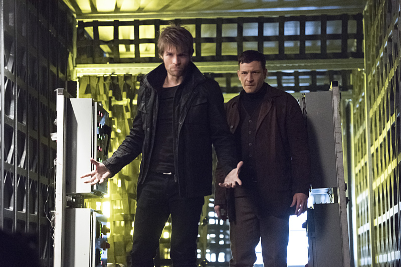 "The Flash -- ""Rogue Air"" -- Image FLA122A_0366b -- Pictured (L-R): Liam McIntyre as Mark Mardon and Paul Anthony as Roy G. Bivolo -- Photo: Dean Buscher/The CW -- © 2015 The CW Network, LLC. All rights reserved."
