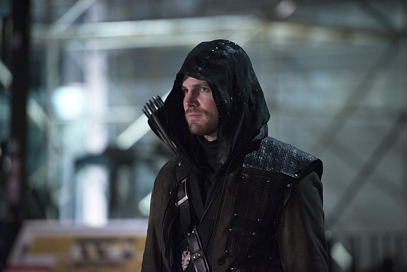 "The Flash -- ""Rogue Air"" -- Image FLA122B_0294b -- Pictured: Stephen Amell as Oliver Queen / Arrow -- Photo: Diyah Pera/The CW -- © 2015 The CW Network, LLC. All rights reserved."