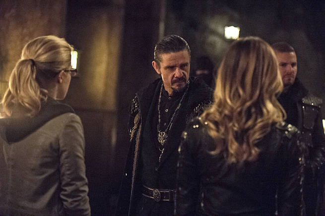 "Arrow -- ""This is Your Sword"" -- Image AR322B_0091b -- Pictured: Matt Nable as Ra's al Ghul -- Photo: Cate Cameron/The CW -- © 2015 The CW Network, LLC. All Rights Reserved."