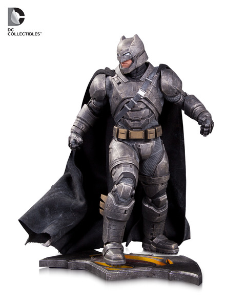 bmvsm-batman-armored-statue-143264