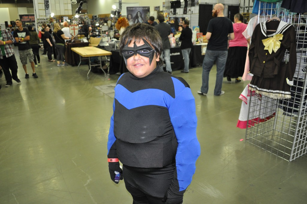 Nightwing (Miguel - age 12)