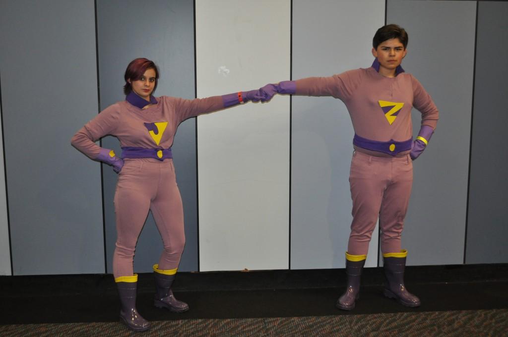 The Wonder Twins, Jayna (Zoë Peterson) and Zan (Mateo Sollano)