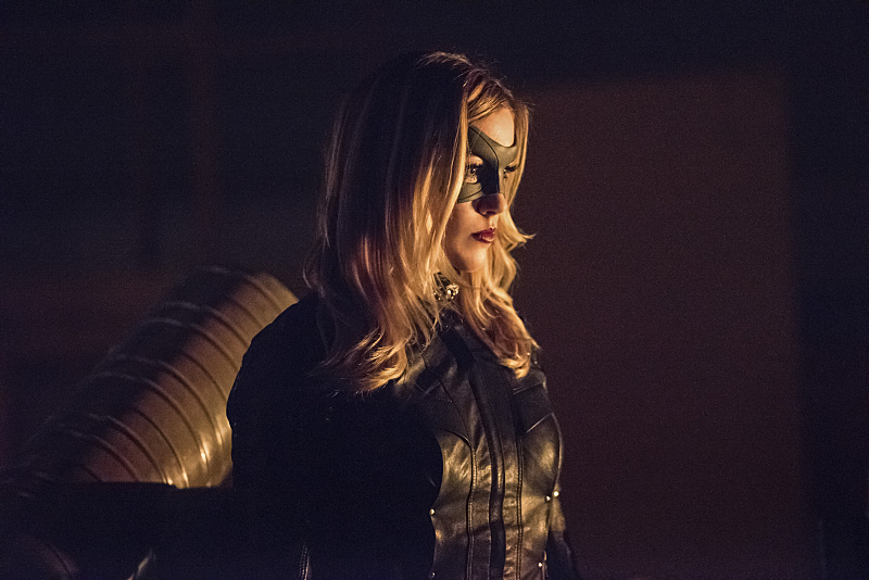 "Arrow -- ""Green Arrow"" -- Image AR401B_0057b -- Pictured: Katie Cassidy as Black Canary -- Photo: Dean Buscher /The CW -- © 2015 The CW Network, LLC. All Rights Reserved."