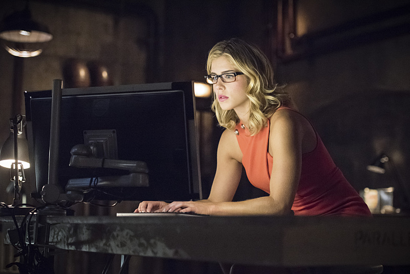 "Arrow -- ""Green Arrow"" -- Image AR401A_0120b -- Pictured: Emily Bett Rickards as Felicity Smoak -- Photo: Dean Buscher /The CW -- © 2015 The CW Network, LLC. All Rights Reserved."