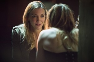 "Arrow -- ""Beyond Redemption"" -- Image AR405B_0163b.jpg -- Pictured (L-R): Katie Cassidy as Laurel Lance and Caity Lotz as Sara Lance -- Photo: Dean Buscher/ The CW -- © 2015 The CW Network, LLC. All Rights Reserved."