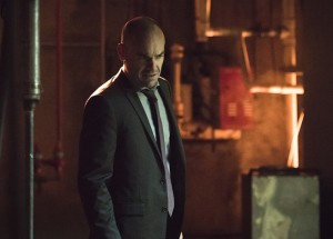 "Arrow -- ""Beyond Redemption"" -- Image AR405B_0150b.jpg -- Pictured: Paul Blackthorne as Quentin Lance -- Photo: Dean Buscher/ The CW -- © 2015 The CW Network, LLC. All Rights Reserved."