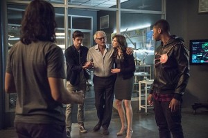 """The Flash -- """"The Fury of Firestorm"""" -- FLA204A_0306b -- Pictured (L-R): Carlos Valdes as Cisco Ramon, Grant Gustin as Barry Allen, Victor Garber as Professor Stein, Danielle Panabaker as Caitlin Snow and Franz Drameh as Jax Jackson -- Photo: Cate Cameron /The CW -- © 2015 The CW Network, LLC. All rights reserved."""