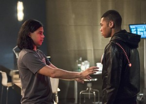 """The Flash -- """"The Fury of Firestorm"""" -- FLA204A_0288b2 -- Pictured (L-R): Carlos Valdes as Cisco Ramon and Franz Drameh as Jax Jackson -- Photo: Cate Cameron /The CW -- © 2015 The CW Network, LLC. All rights reserved."""
