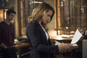 """The Flash -- """"The Fury of Firestorm"""" -- FLA204A_0009b -- Pictured (L-R): Grant Gustin as Barry Allen and Shantel VanSanten as Patty Spivot -- Photo: Cate Cameron /The CW -- © 2015 The CW Network, LLC. All rights reserved."""