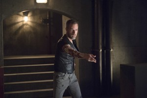 """Arrow -- """"Restoration"""" -- Image AR403A_0153b.jpg -- Pictured: JR Bourne as Jeremy Tell -- Photo: Diyah Pera /The CW -- © 2015 The CW Network, LLC. All Rights Reserved."""