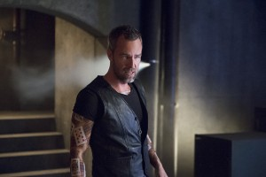 """Arrow -- """"Restoration"""" -- Image AR403A_0205b.jpg -- Pictured: JR Bourne as Jeremy Tell -- Photo: Diyah Pera /The CW -- © 2015 The CW Network, LLC. All Rights Reserved."""