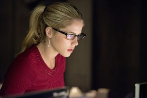 """Arrow --""""Restoration"""" -- Image AR403A_0282b.jpg -- Pictured: Emily Bett Rickards as Felicity Smoak -- Photo: Diyah Pera /The CW -- © 2015 The CW Network, LLC. All Rights Reserved."""