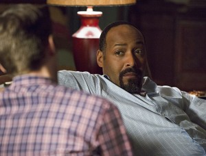 """The Flash -- """"Family of Rogues"""" -- Image FLA203a_0377b.jpg -- Pictured (L-R): Grant Gustin as Barry Allen and Jesse L. Martin as Detective Joe West -- Photo: Jeff Weddell/The CW -- © 2015 The CW Network, LLC. All rights reserved."""