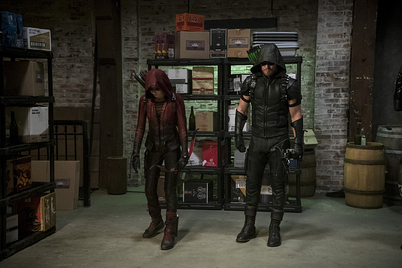 """Arrow -- """"The Candidate"""" -- Image AR402A_0352b-- Pictured (L-R): Willa Holland as Speedy and Stephen Amell as The Arrow -- Photo: Katie Yu /The CW -- © 2015 The CW Network, LLC. All Rights Reserved."""
