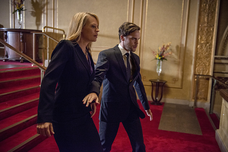"""Arrow -- """"The Candidate"""" -- Image AR402B_0273b -- Pictured: Jeri Ryan as Jessica Danforth and Alexander Calvert as Lonnie Machin Photo: Cate Cameron /The CW -- © 2015 The CW Network, LLC. All Rights Reserved."""