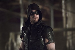 """Arrow -- """"Legends of Yesterday"""" -- Image AR408B_0270b.jpg --  Pictured: Stephen Amell as The Arrow -- Photo: Katie Yu/ The CW -- © 2015 The CW Network, LLC. All Rights Reserved."""