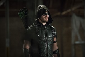"""Arrow -- """"Legends of Yesterday"""" -- Image AR408B_0254b.jpg --  Pictured: Stephen Amell as The Arrow -- Photo: Katie Yu/ The CW -- © 2015 The CW Network, LLC. All Rights Reserved."""