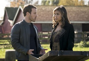"""Arrow -- """"Legends of Yesterday"""" -- Image AR408A_0040b.jpg -- Pictured (L-R): Falk Hentschel as Carter Hall and Ciara Renee as Kendra Saunders -- Photo: Katie Yu/ The CW -- © 2015 The CW Network, LLC. All Rights Reserved."""