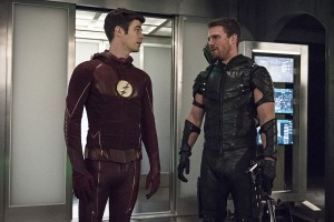 """The Flash -- """"Legends of Today"""" -- Image FLA208B_0003b.jpg -- Pictured (L-R): Grant Gustin as Barry Allen and Stephen Amell as Oliver Queen -- Photo: Cate Cameron/The CW -- © 2015 The CW Network, LLC. All rights reserved."""