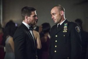 """Arrow -- """"Brotherhood"""" -- Image AR407B_136b.jpg -- Pictured: Stephen Amell as Oliver Queen and Paul Blackthorne as Detective Quentin Lance -- Photo: Cate Cameron/The CW -- © 2015 The CW Network, LLC. All Rights Reserved."""
