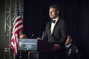 """Arrow -- """"Brotherhood"""" -- Image AR407B_120b.jpg -- Pictured: Stephen Amell as Oliver Queen -- Photo: Cate Cameron/The CW -- © 2015 The CW Network, LLC. All Rights Reserved."""