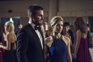 """Arrow -- """"Brotherhood"""" -- Image AR407B_072b.jpg -- Pictured (L-R): Stephen Amell as Oliver Queen and  Emily Bett Rickards as Felicity Smoak -- Photo: Cate Cameron/The CW -- © 2015 The CW Network, LLC. All Rights Reserved."""