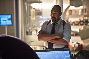 "The Flash -- ""Gorilla Warfare"" -- Image FLA207B_0253b.jpg -- Pictured: Jesse L. Martin as Detective Joe West -- Photo: Cate Cameron/The CW -- © 2015 The CW Network, LLC. All rights reserved."