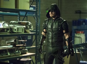 "Arrow -- ""Lost Souls"" -- Image AR406B_0096b3.jpg -- Pictured: Stephen Amell as The Arrow -- Photo: Cate Cameron/ The CW -- © 2015 The CW Network, LLC. All Rights Reserved."