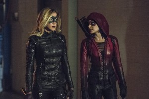 "Arrow -- ""Lost Souls"" -- Image AR406B_0011b.jpg -- Pictured (L-R): Katie Cassidy as Laurel Lance and Willa Holland as Thea Queen -- Photo: Cate Cameron/ The CW -- © 2015 The CW Network, LLC. All Rights Reserved."