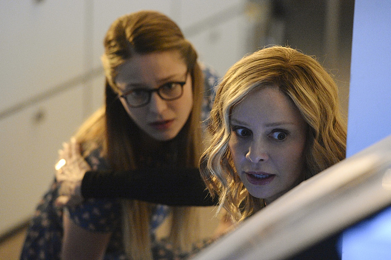 """Livewire"" -- When an accident transforms a volatile CatCo employee into the villainous Livewire, she targets Cat (Calista Flockhart, right) and Supergirl (Melissa Benoist, left), on SUPERGIRL, Monday, Nov. 23 (8:00-9:00 PM, ET/PT) on the CBS Television Network. Photo: Darren Michaels/Warner Bros. Entertainment Inc. © 2015 WBEI. All rights reserved."